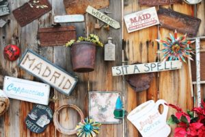 Welcome Wood Signs That Add An Elegant Touch To Your Home Decor