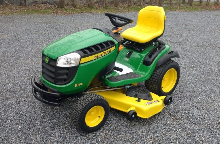 John Deere E180 Lawn Tractor Review