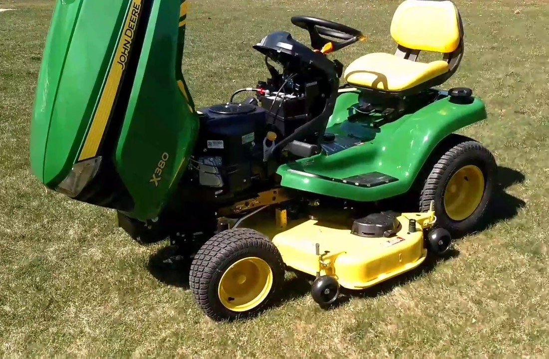 John Deere X380 Lawn Tractor Review