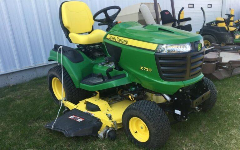 John Deere X750 Lawn Tractor Review