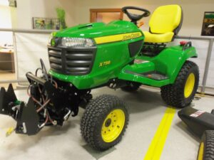 John Deere X758 Lawn Mower Review