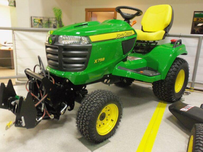 John Deere X758 Lawn Mower Review