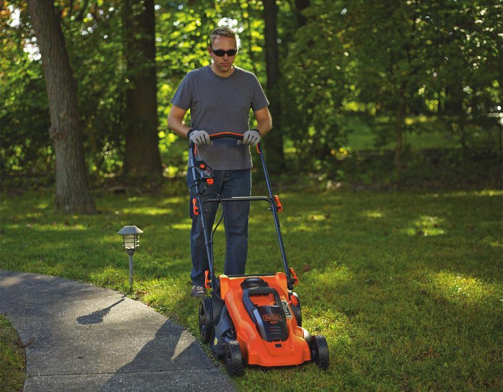 Black+Decker CM2043 Battery Lawn Mower Review