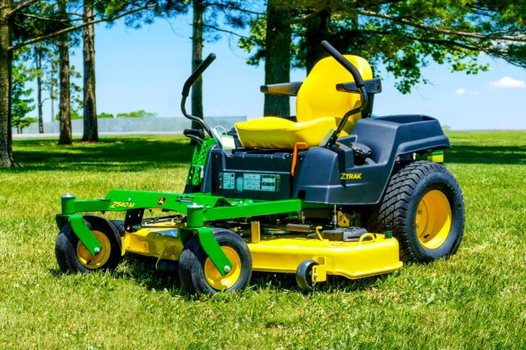 John Deere Z540M Zero-Turn Lawn Mower Review