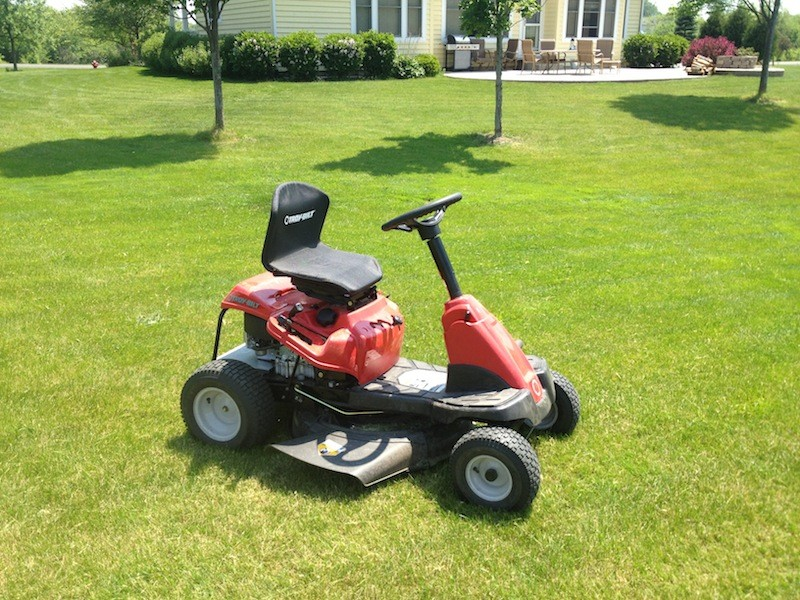 Troy-Bilt TB30 R Riding Lawn Mower Review