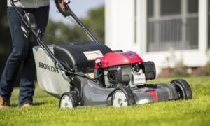Honda HRX217VKA Gas Lawn Mower Review